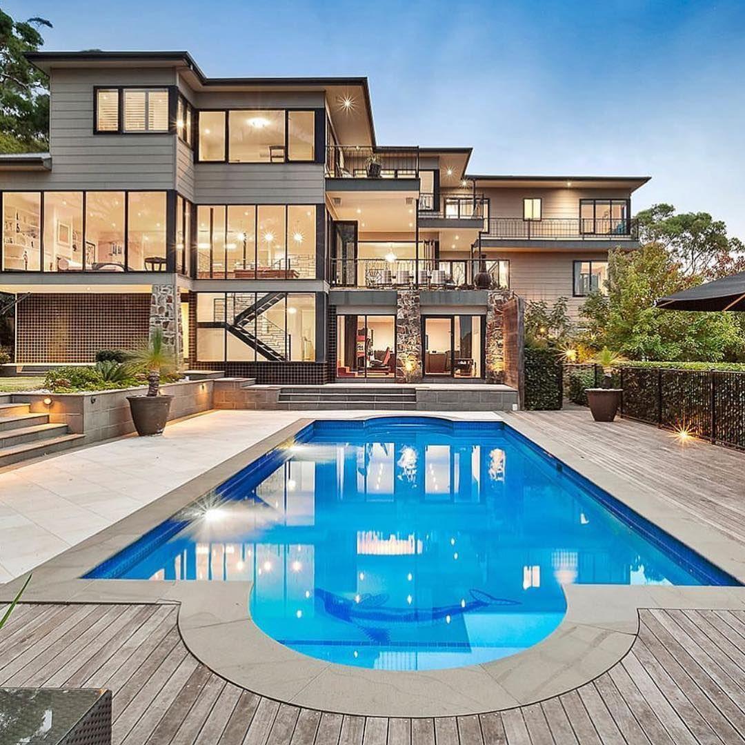 Outdoor Luxury Pool House: Outdoor Luxury In 2019