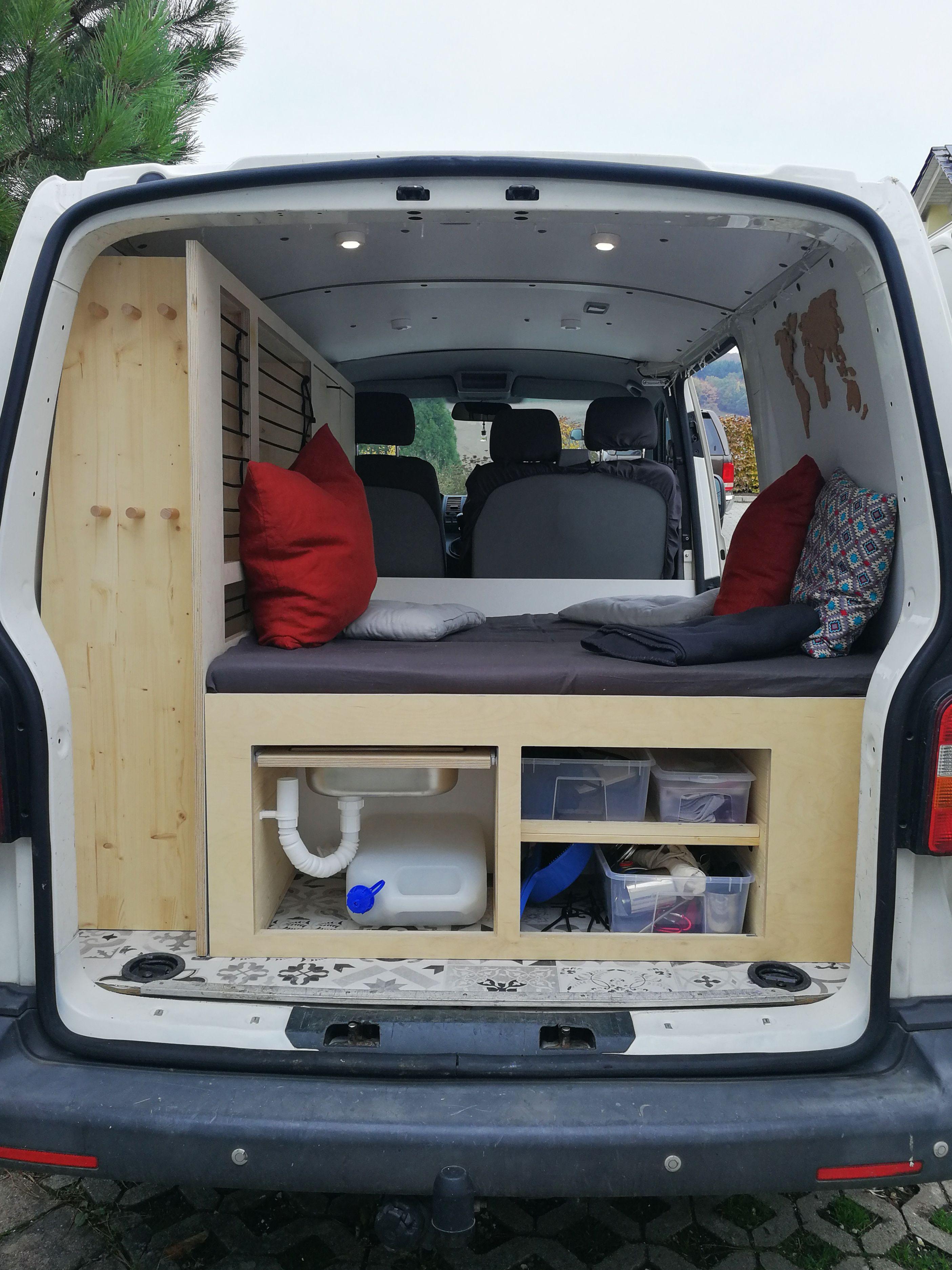 Vanlife Selfmade Camper Vw T5 Transporter Ausbau Vw T5 Wohnwagen Umgebaute Wohnmobile