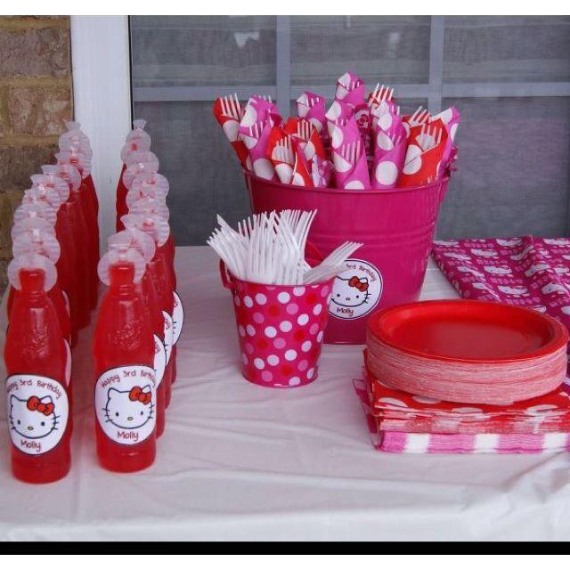 Hello kitty party - like the drinks. Great Idea! vielleicht drehdrinks mit aufklebern?
