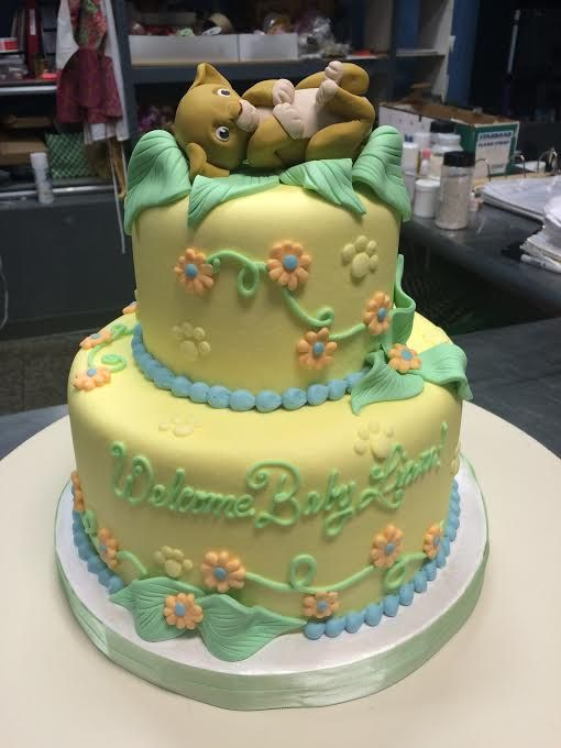 Lion King Baby Shower Cake And Cupcakes With Images Simba Baby