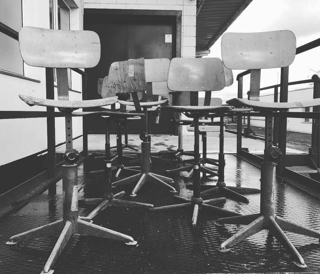 #chaises #industrialchair #industrial #factory #decoration #loft #forsale #industriel #patina #picture #photo #workshop