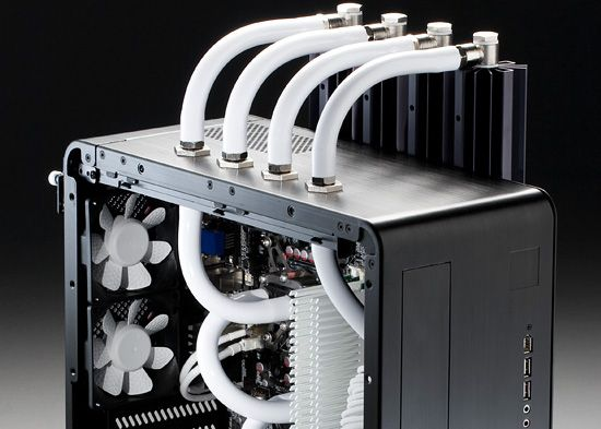 30 Beautiful Custom Pc Case Designs Six Revisions Custom Computer Case Custom Computer Custom Pc