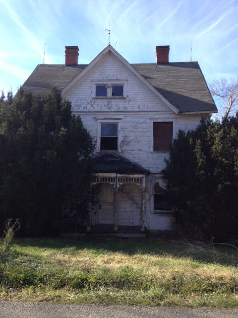 Abandoned farmhouse on the road to Worthington, PA    Butler