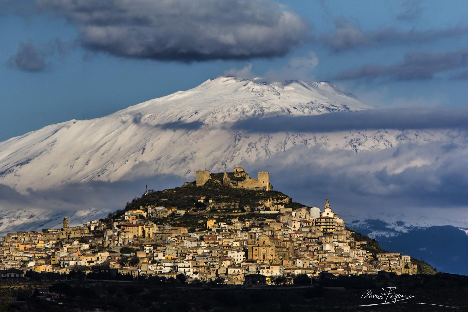 Spettacolare foto di agira e dell 39 etna catania sicilia for Mondo catania