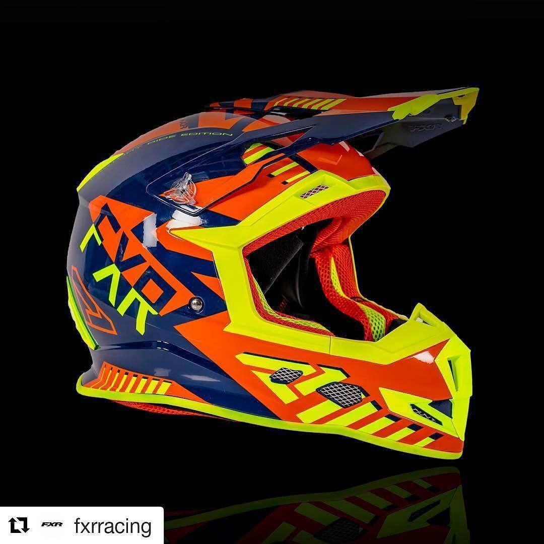 Mitäs tykkäätte tästä tulevasta mallista? On ainakin värikäs!   #Repost @fxrracing @drivos_com #drive_with_us  Boost Battalion with some boosted colors.  #boost #battalion #helmet #fxr #fxrmoto #fxrracing #moto #colorful