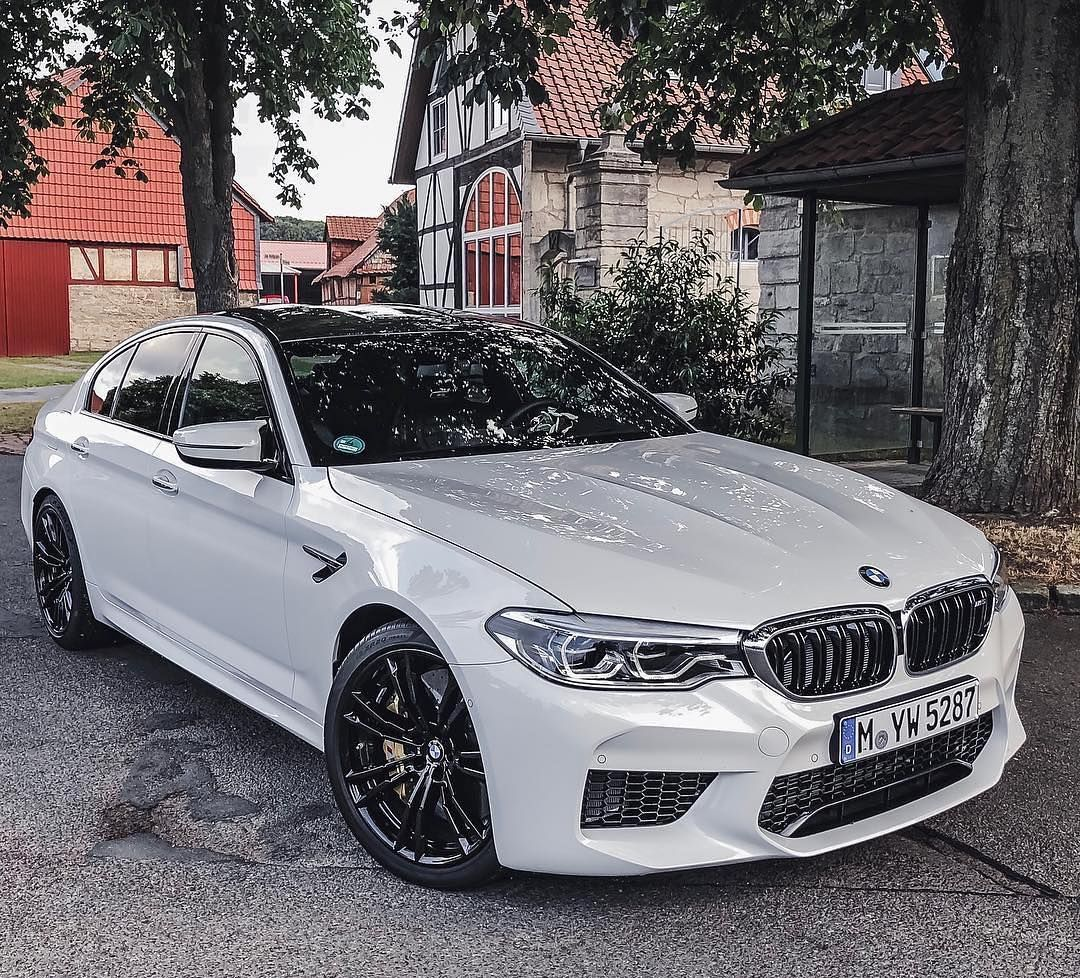 BMW M5 F90 Brilliant White. @m5f90 @bmw_insta @automanntv