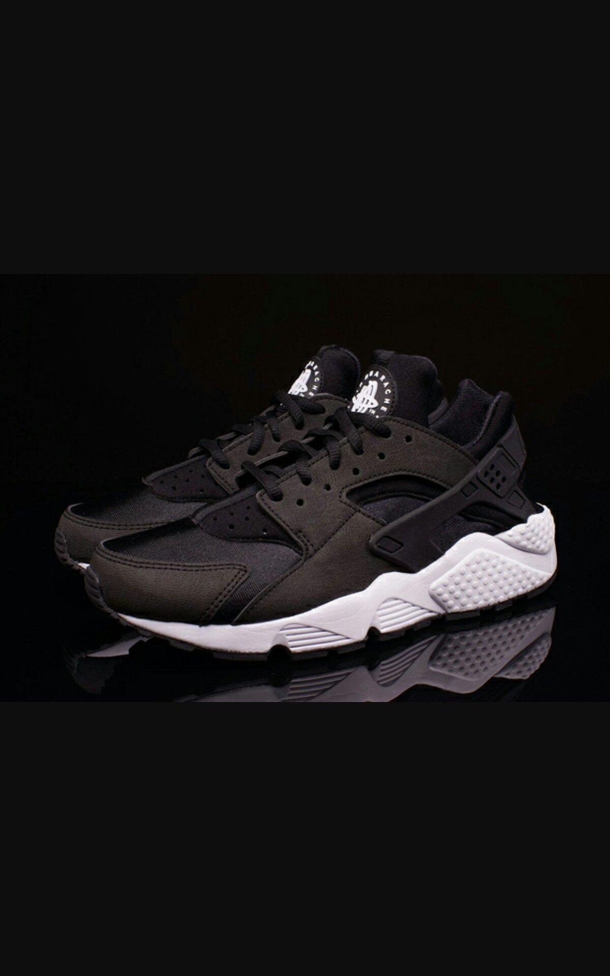 revendeur 70f01 9b03b Nike air huarach run noir et blanche | am in 2019 | Black ...