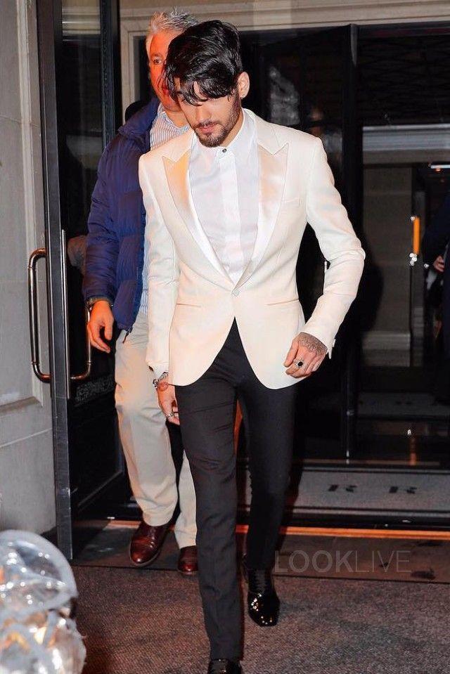 check out 2d4d9 659b8 Zayn Malik wearing Christian Louboutin Greggo Flat | zain ...