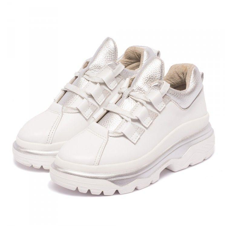 ... Кроссовки користувача Winner Boots. Кроссовкимассивные белые кожаные  женские с серебряными вставками. Цена 1099грн, 40 . Размеры  a5565c06db2