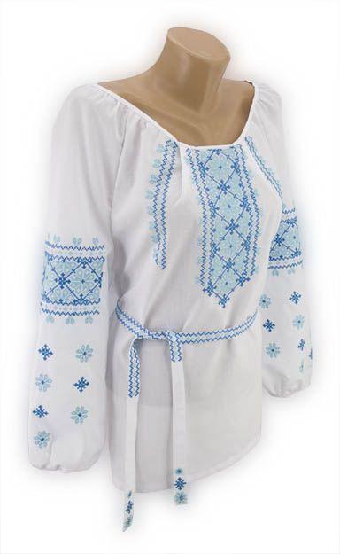 Незвичайна жіноча вишиванка з поясом з блакитною вишивкою хрестиком ... df55ea874e67e