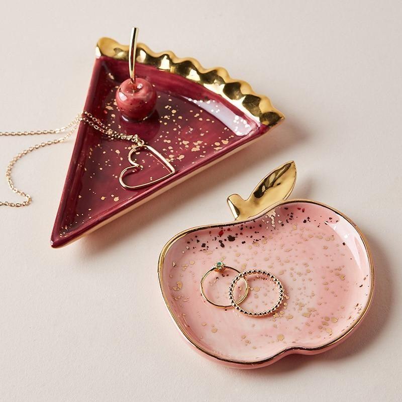 Earrings Necklace Ring Storage Plates Fruit -  Das schönste Bild für  minimalist jewelry , das zu Ihrem Vergnügen passt Sie suchen etwas und ha - #beautifuljewelry #diyjewelryunique #Earrings #Fruit #glassesforyourfaceshape #jewelryrings #Necklace #Plates #Ring #Storage