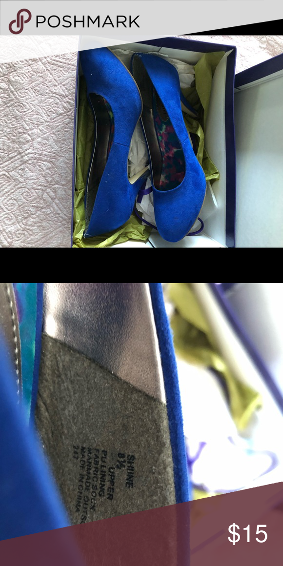 8dbe0255783 Steve Madden Pumps Blue suede shoes. Size 8.5. Euc w/original box. I ...