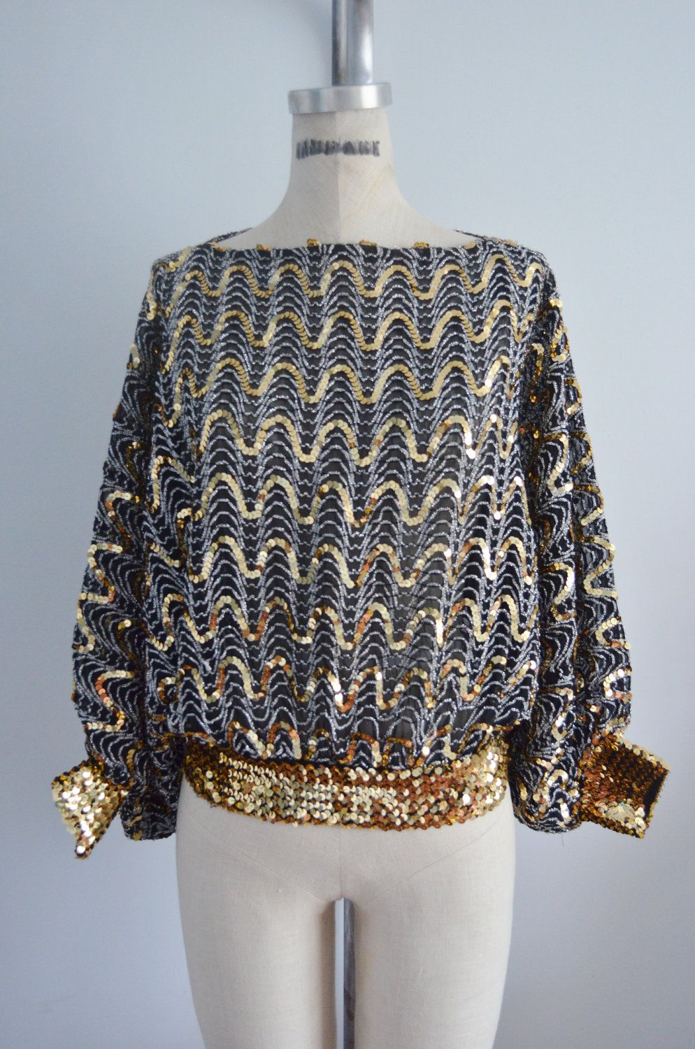 170b10101f Vintage 70s GLAM Sequins BATWING DISCO Top Blouse Metallic Black   Gold.
