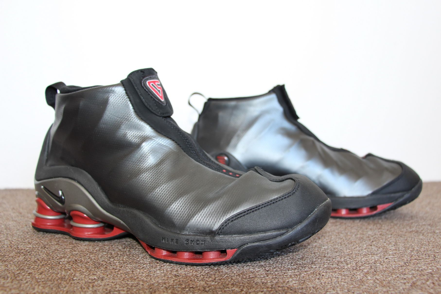 wholesale dealer 99440 4b8cc Nike Shox Vince Carter 2001 (Black Varsity Red   Metallic-Silver)   Sneakers  For Sale   Pinterest   Nike shox, Metallic and Nike basketball