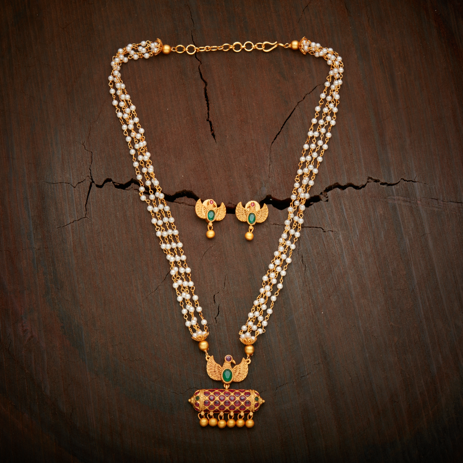 Elegantly Crafted Antique Necklace Studded With Ruby