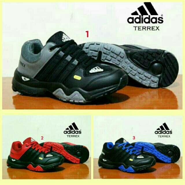 Pin 2be8c80c Sms Wa 085317847777 Line Sepatu Aneka Model Www Butikfashionmurah Com Sepatu Sepatu Adidas Adidas