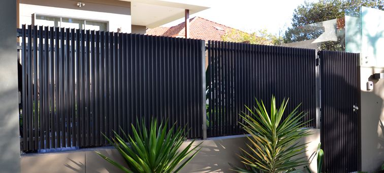 Vertical Steel Fence Google Search Landscaping
