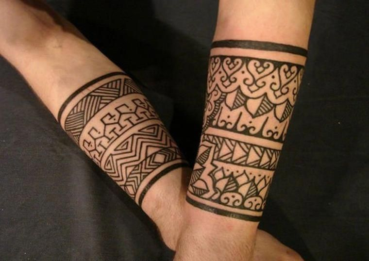 Tatouage tribal homme bracelet