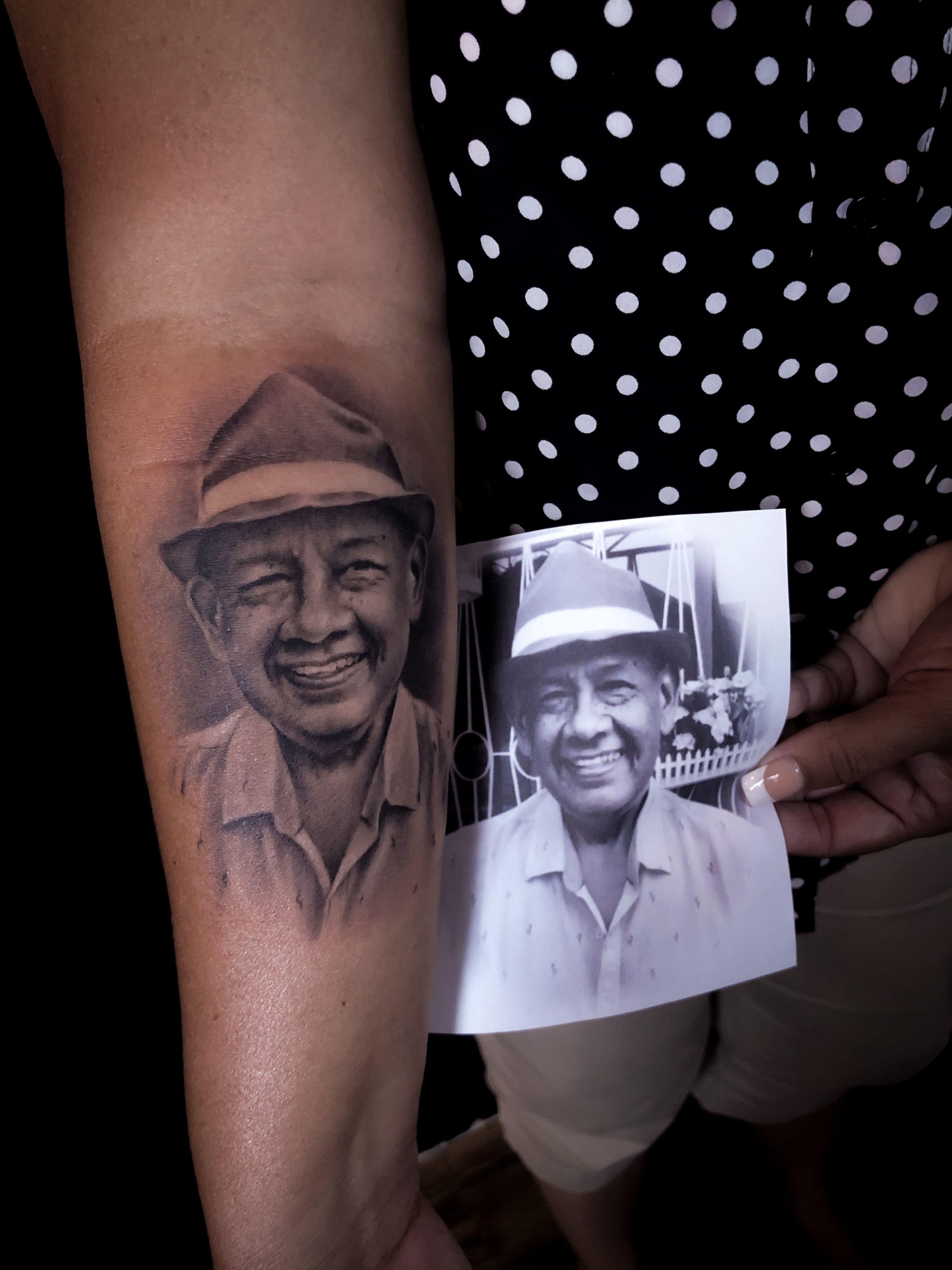 @lovetattooec @inkmens #guayaquiltattoo #tattoowork #tattooguayaquil #tattooecuador #arte #tattooart #sombras #realistictattoo #tattoostyle #lovetattoo #guayaquil #anclatattoo #realismotattoo #tatouage #blackandgreytattoo #art #inkedup #tattoo #tattoos #ink #inked #tatuaje #inktober #realistictattoo #tatuagem #tatuaggios #realistic #realism #retrato