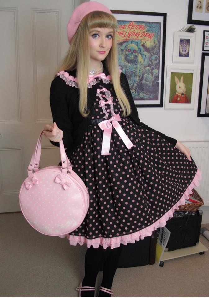 Loving Julia Valentina, catsandroses:   I wanted to dress up to meet...
