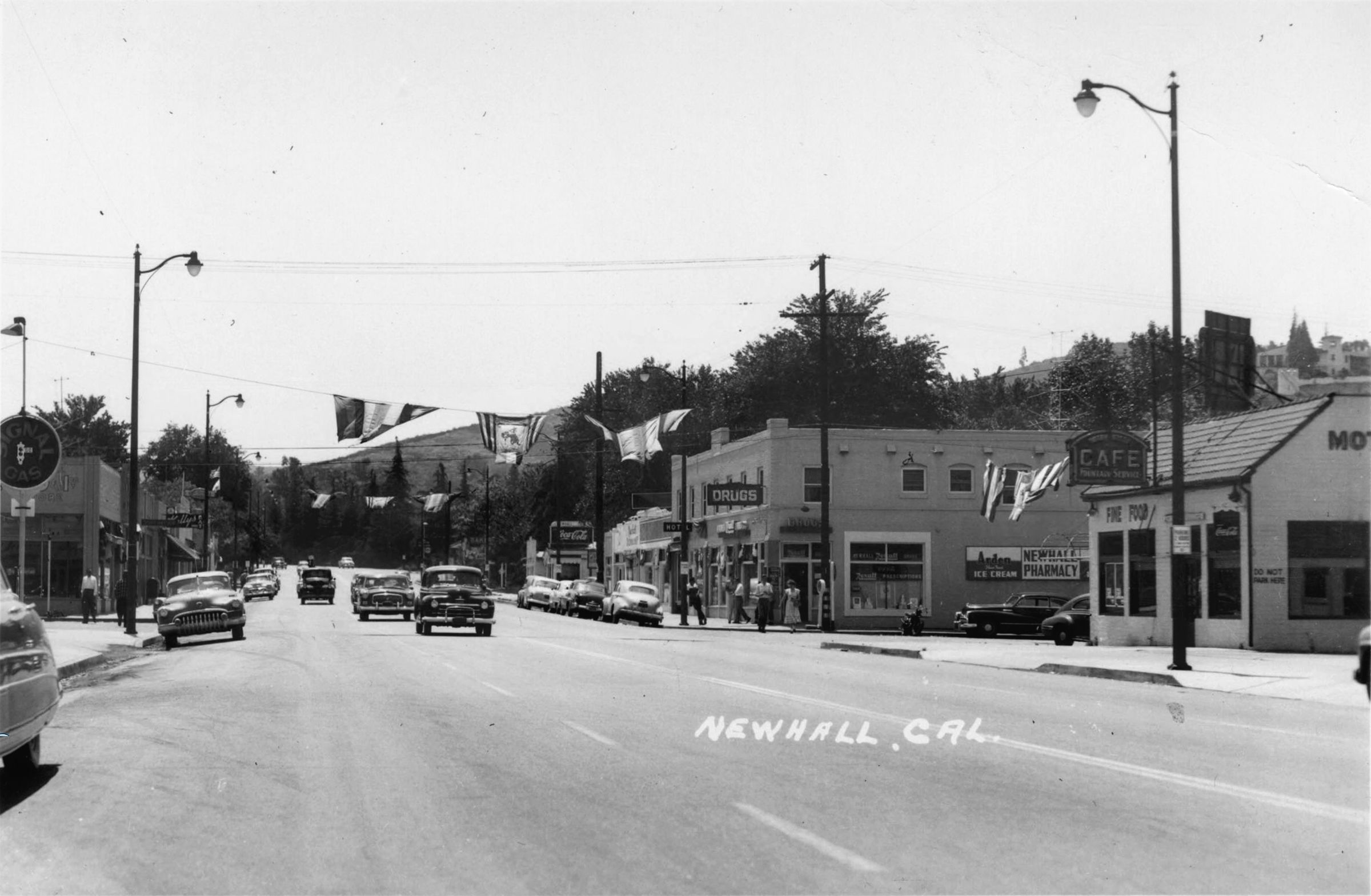 Scvhistory Com Lw2553 Newhall Spruce Market Signal Gas Newhall Pharmacy Motor Stage Cafe Etc 1952 Newhall Santa Clarita Valley Gas