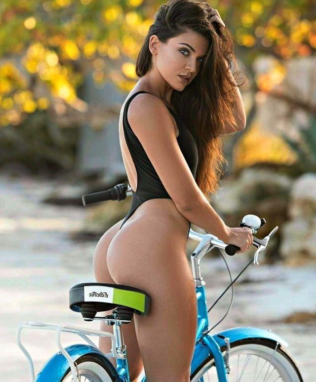 Exotic latina lesbian