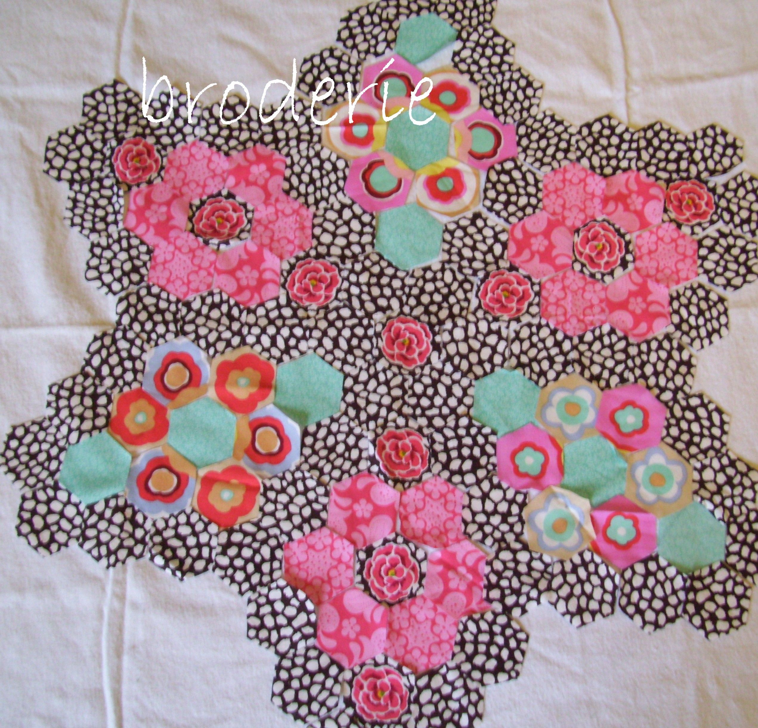 ♥ this pattern and color choice crafty bits