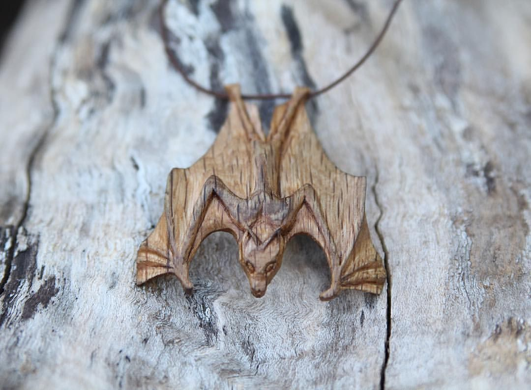 Hand Carved Wooden Bat Pendant By Giles Newman украшения Wood