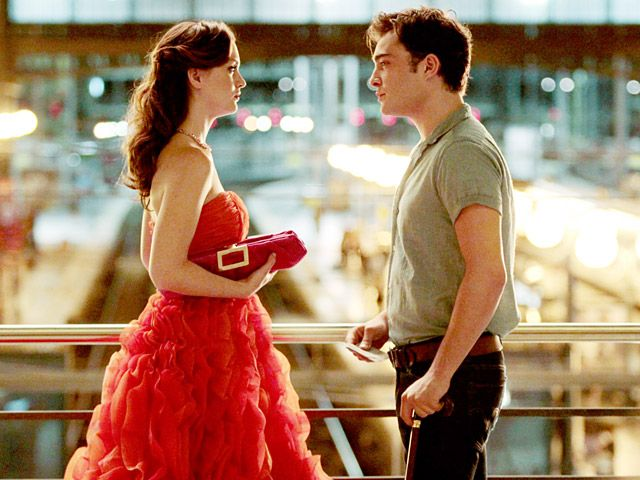 Blair Waldorf in one of my favorite dresses by #OscardelaRenta— and Chuck Bass, together in one of my favorite #GossipGirl scenes ever. XOXOE