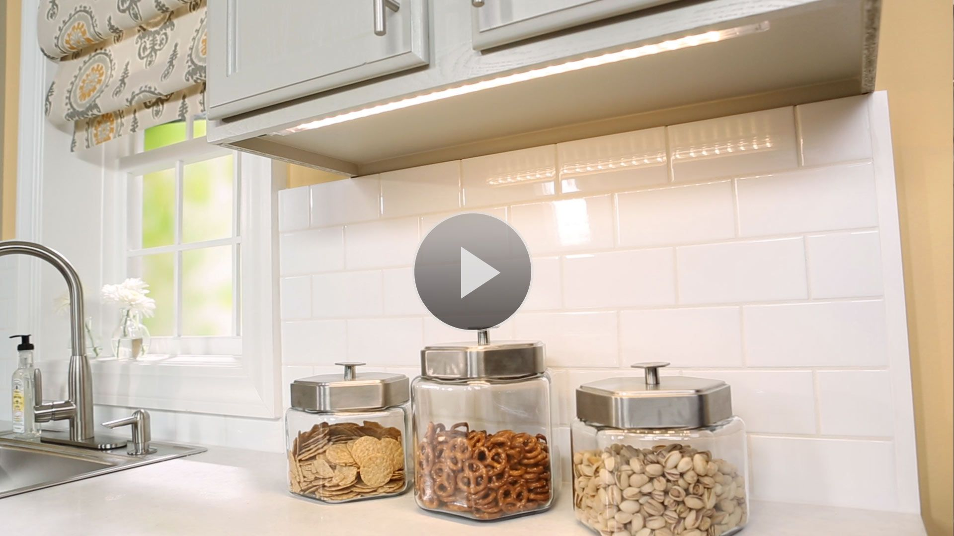 easy install under cabinet lighting led strip watch two easy ways to add under cabinet lighting in the better homes and gardens video how install led lights diy home decor pinterest