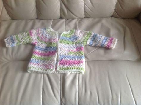Super Fast Baby Cardigan #crochetbabycardigan