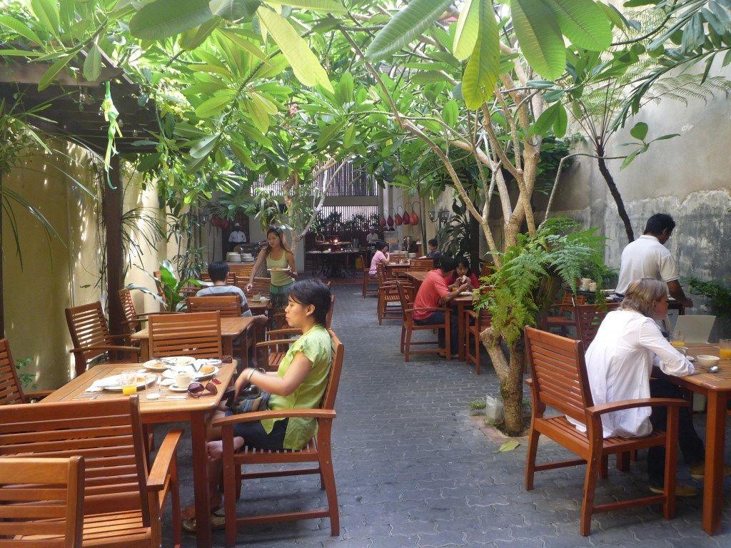 simple and homy outdoor cafe idea | Garden cafe, Outdoor ...