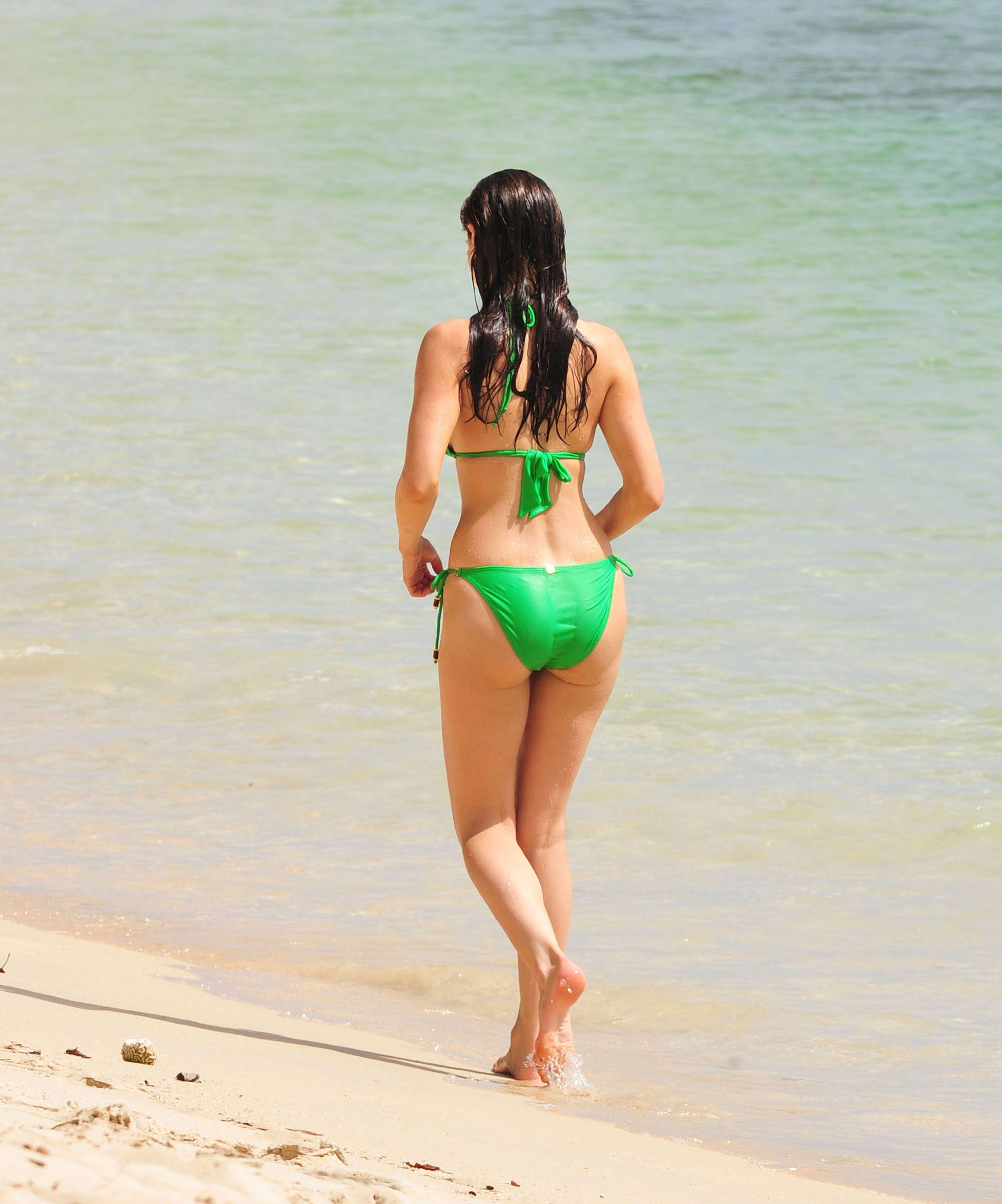 Kelly Brook Bikini Ass