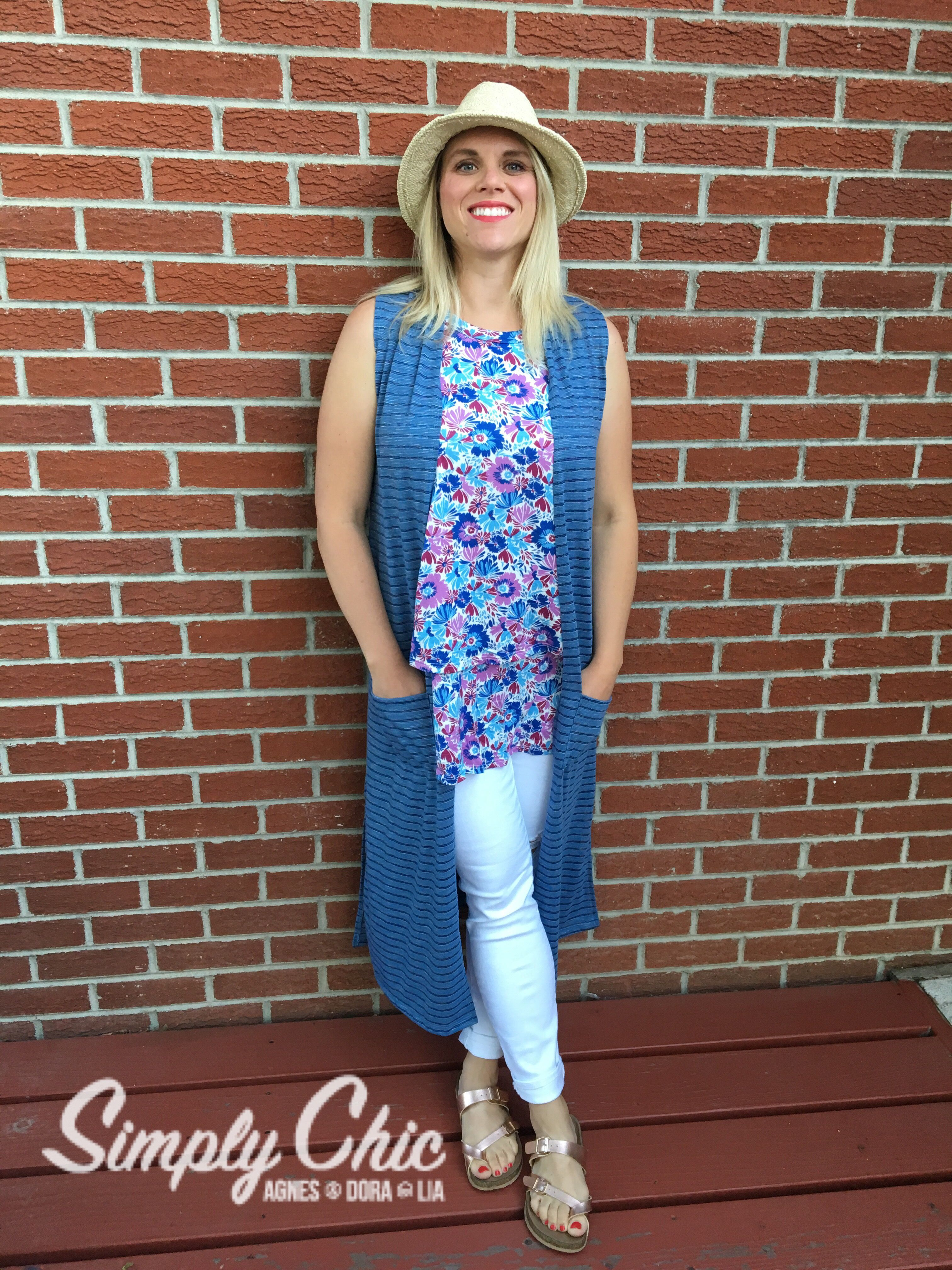 Weekend outfit Agnes and Dora vest duster tiered tunic white