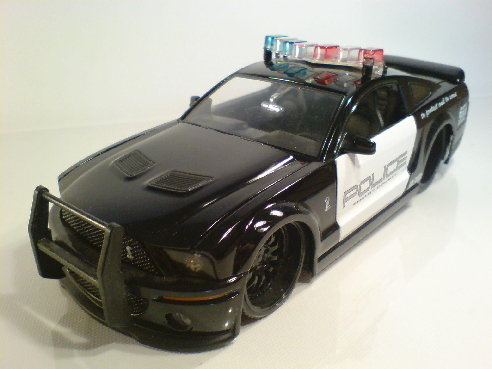 1 24 ford mustang police jada