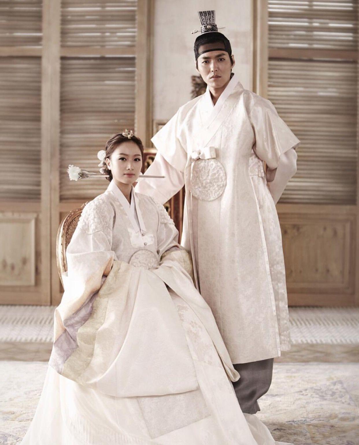 한복 Hanbok Korean traditional clothes[dress] Hanbok