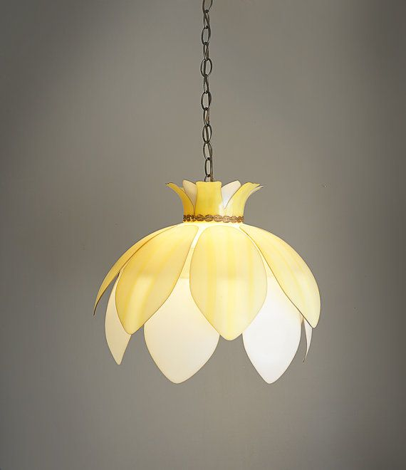 Vintage Plastic Flower Hanging Lamp Light By Caprockvintage 78 00 This Would Be So Cute In A Little S Room