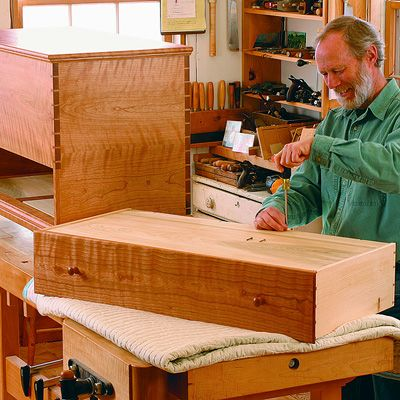 Shaker Blanket Chest by Charles Durfee
