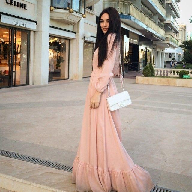 The Best Pastel Pink Outfits of Instagram & Jet set Babes: http://jetsetbabe.com/pastel-pink #fashion #fashioninspiration #luxury #hautecouture #streetstyle #streetfashion #russian #jetsetbabe #fashionista