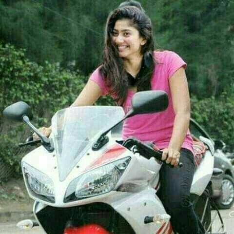 Pin By Sathish On Indians Biker Girl Sai Pallavi Hd Images