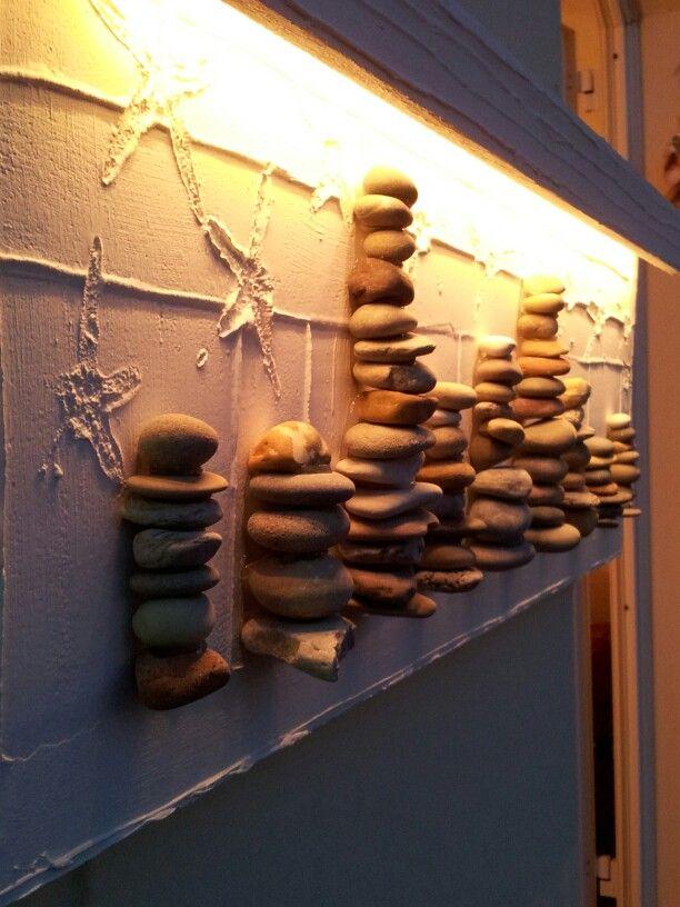 Lamp with stones.