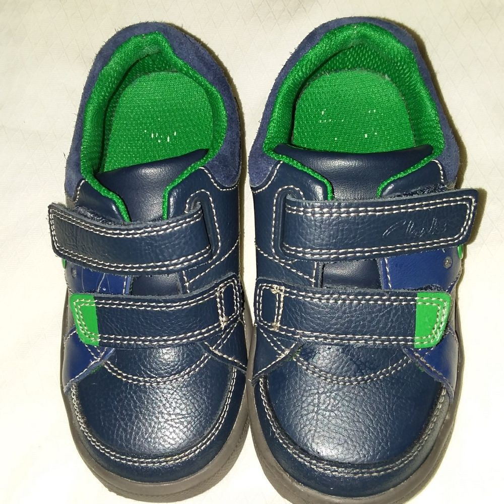 Clarks Toddler Light Up Navy Blue Sneaker Size 7 5 Fashion Clothing Shoes Accessories Kidsclothingshoes Navy Blue Sneakers Blue Sneakers Black Suede Shoes