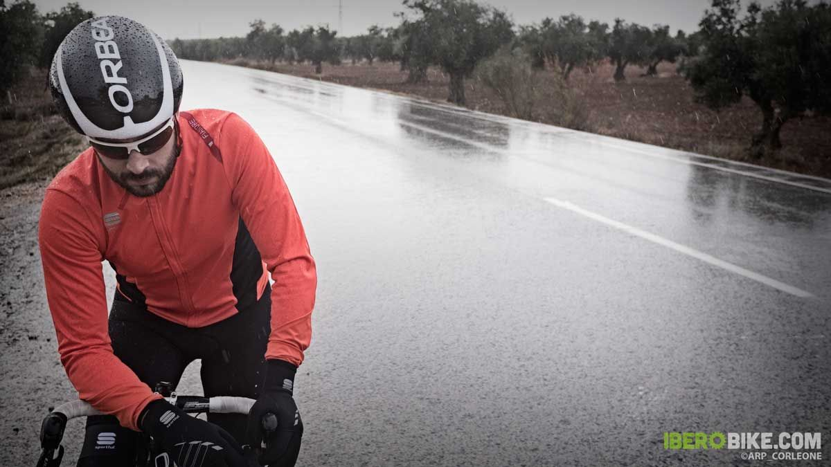 Test casco Orbea R10, excelencia para tu cabeza | Iberobike