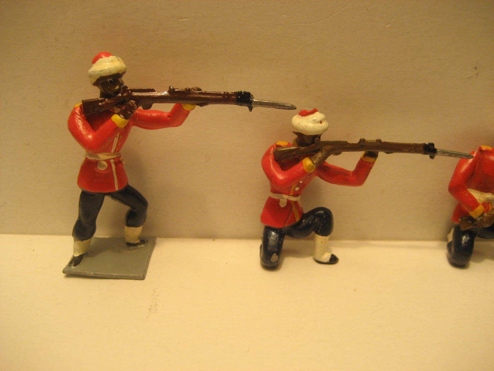 Vintage lead soldiers