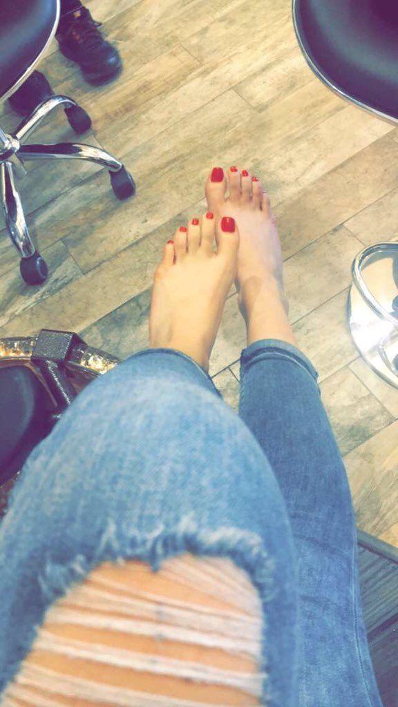 Bella Thornes Feet