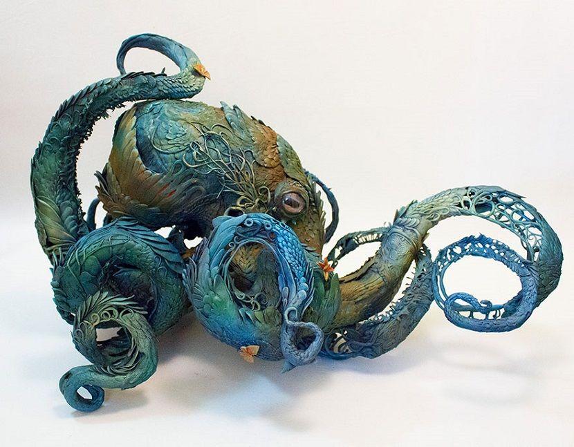 Ellen Jewett fusiona animales y plantas en sus especiales y bellas esculturas