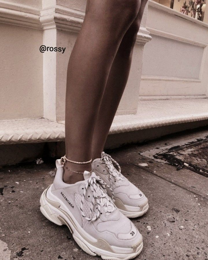Pin by 𝐑𝐨𝐬𝐬𝐲 on Shoes Balenciaga shoes, White shoes