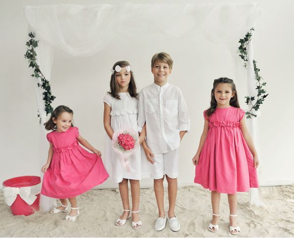 How To Choose Flower Girl Dresses For Relaxed Happy Children