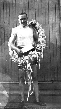CYCLING: Frank Kramer following his victory as World Champion. The Golden Age of Bicycle Racing in New Jersey - Michael C. Gabriele - Google Books