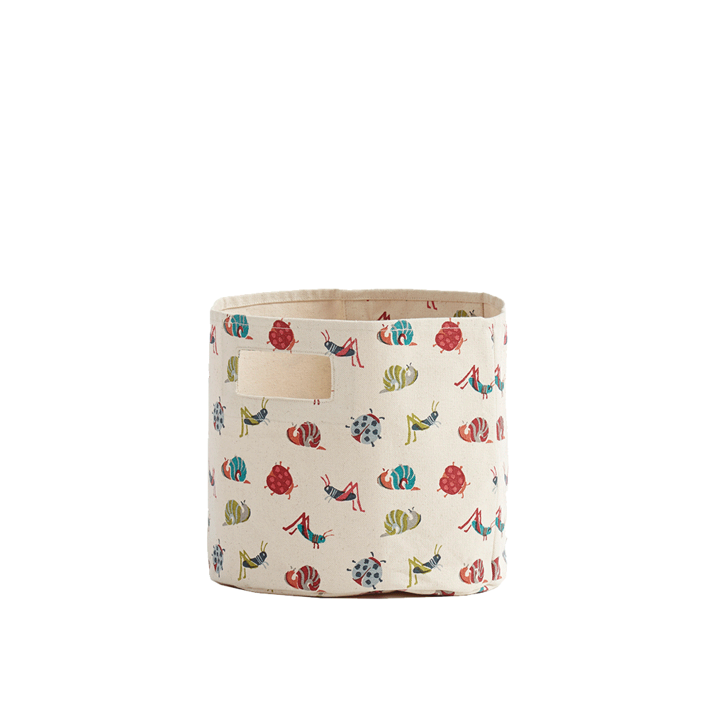From the bathroom to the bedroom, our Petit Pehr Pints are perfect for diapers, creams and other small stuff! These Bugs pints are the definition of cute prints that aren't too cute for you and made o